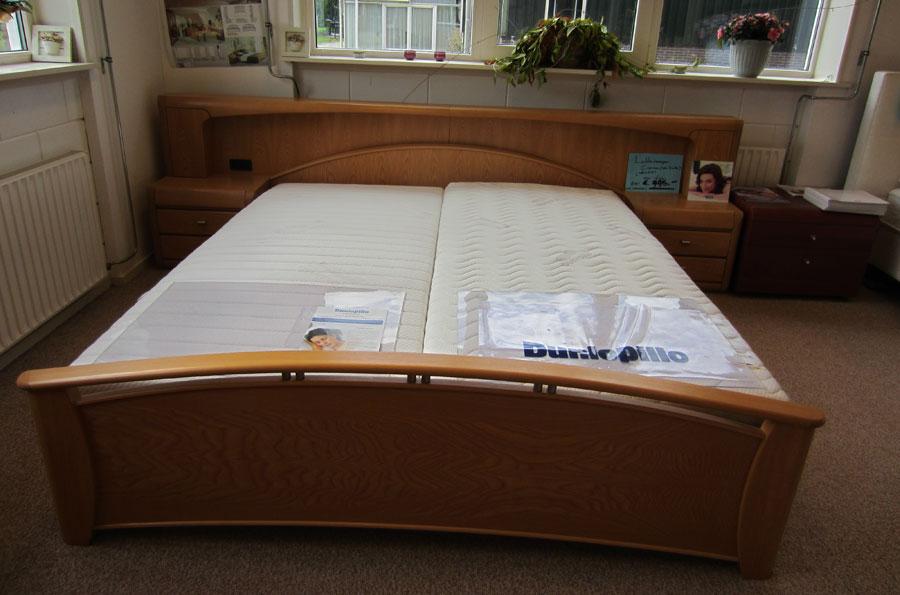 Slaapkamer uitverkoop digtotaal - Romantische witte bed ...