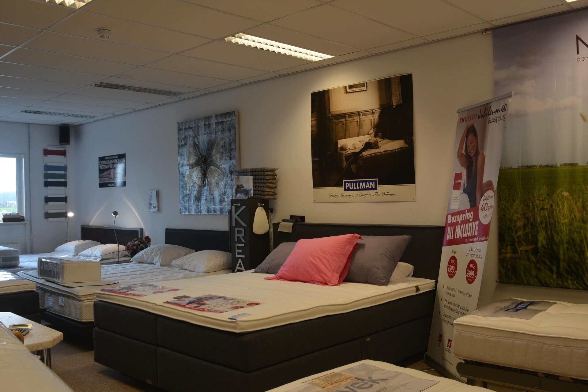 Bedden, slaapkamers in Oostzaan